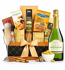 Wine Baskets: Golden Gourmet Classic with Your Choice of Wine